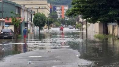 Photo of Chuva causa alagamentos em toda Baixada Santista