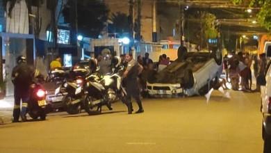 Photo of Idoso fica ferido após capotar carro em Santos